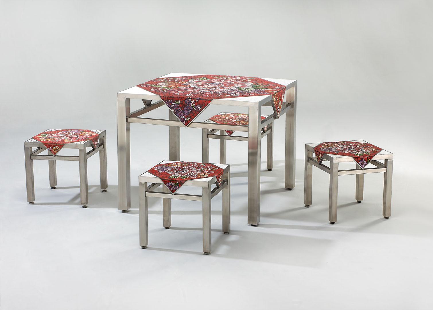 四椅一桌長長